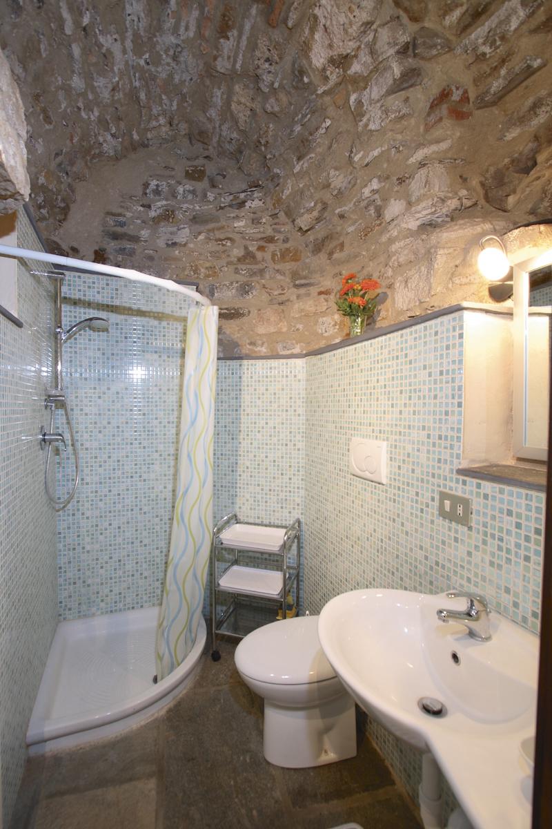 http://loggiadellerondini.com/wp-content/uploads/2014/08/Grotta_2.jpg