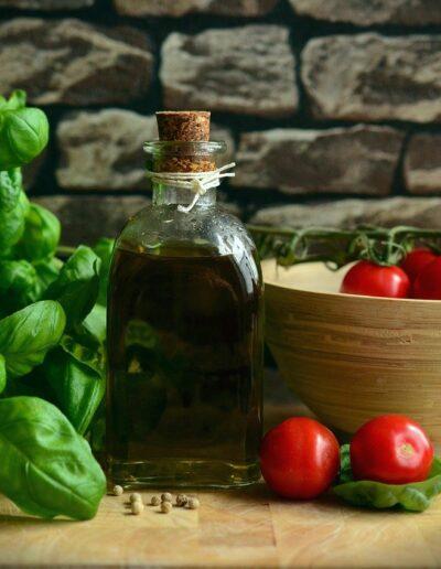Basilico,olio e pomodorini